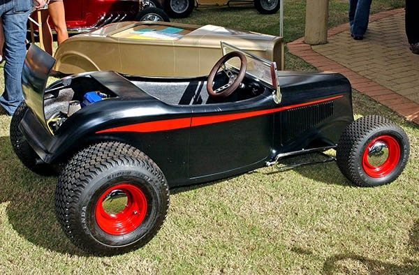 32 roadsters look n awesome pedal cars and wagons. Black Bedroom Furniture Sets. Home Design Ideas