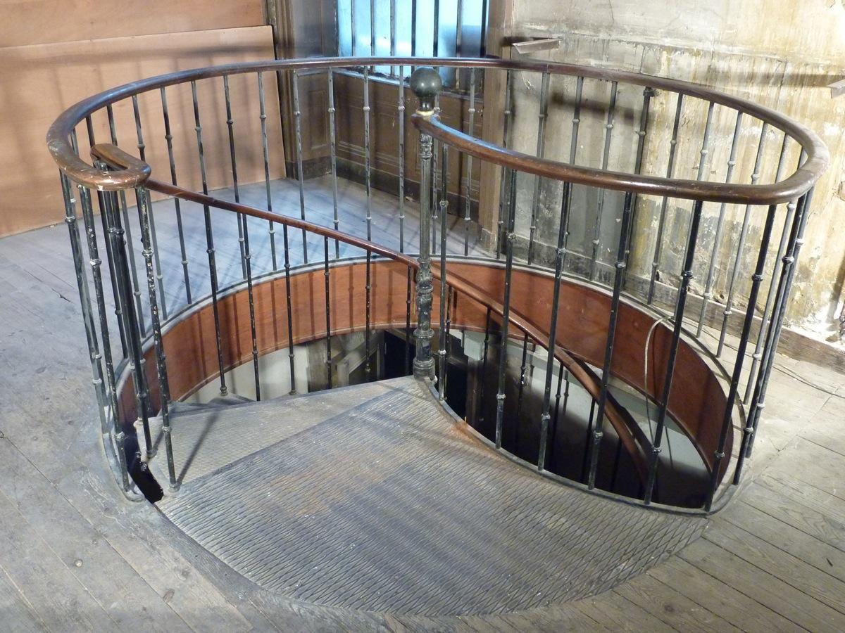 escalier colimacon ancien fonte art deco cave vin pinterest cave. Black Bedroom Furniture Sets. Home Design Ideas
