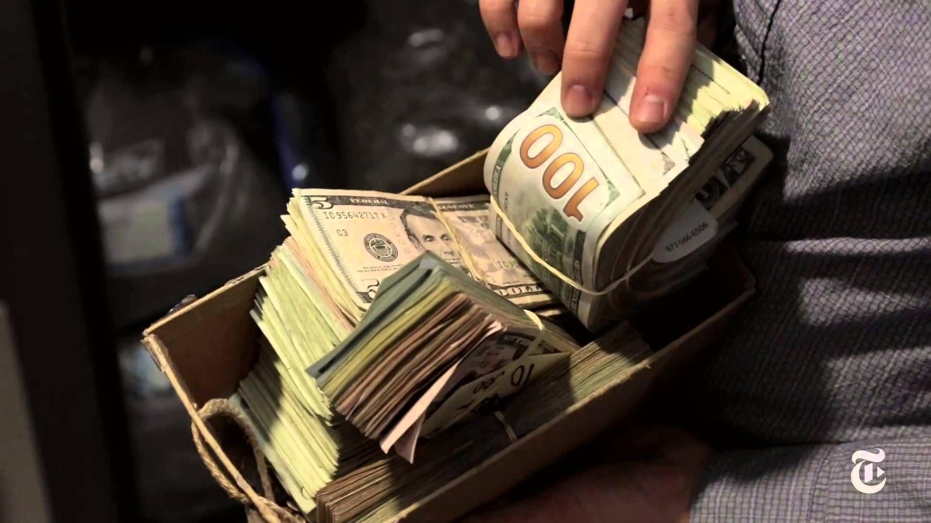 покупкой изделия фото денег для рабочего стола этом она сама