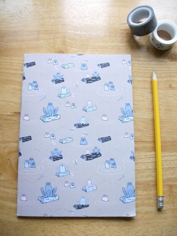 A5 Frog notebook - Lined paper pages A5 Frog Sketchbook - Plain paper pages  This A5 notebook/sketchbook consists of 48 pages of lined/plain
