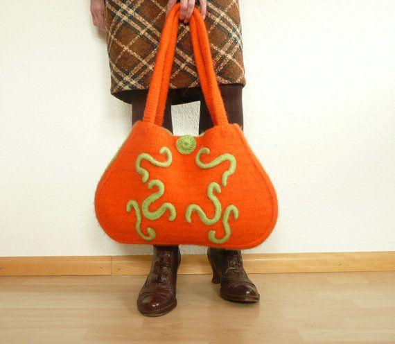 Tasche gefilzt und gehäkelt in orange mit Ornamenten von anukistyle ...