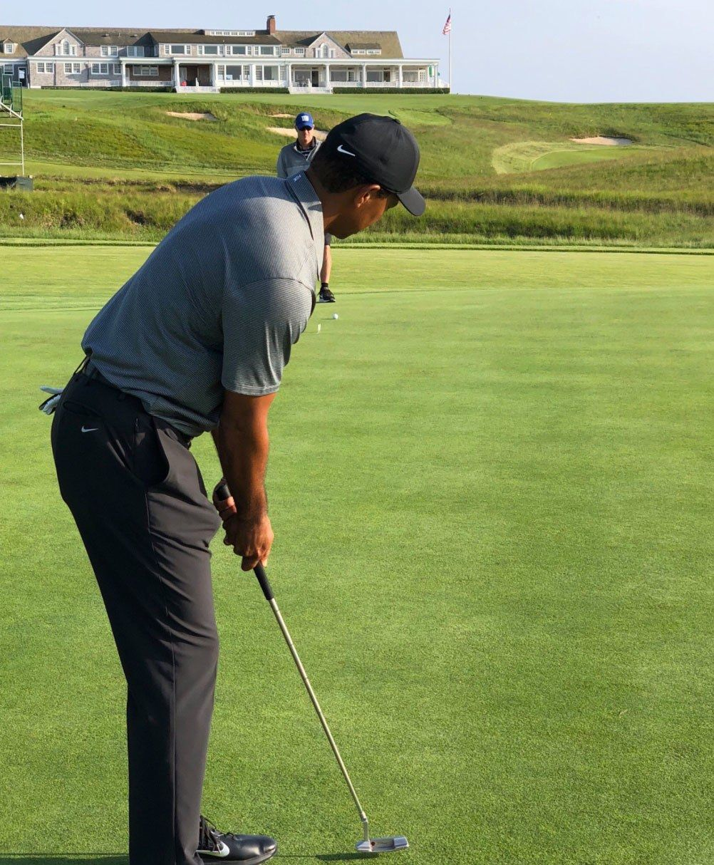 U S Open 2018 Tiger Woods Pays Visit To Shinnecock Hills In