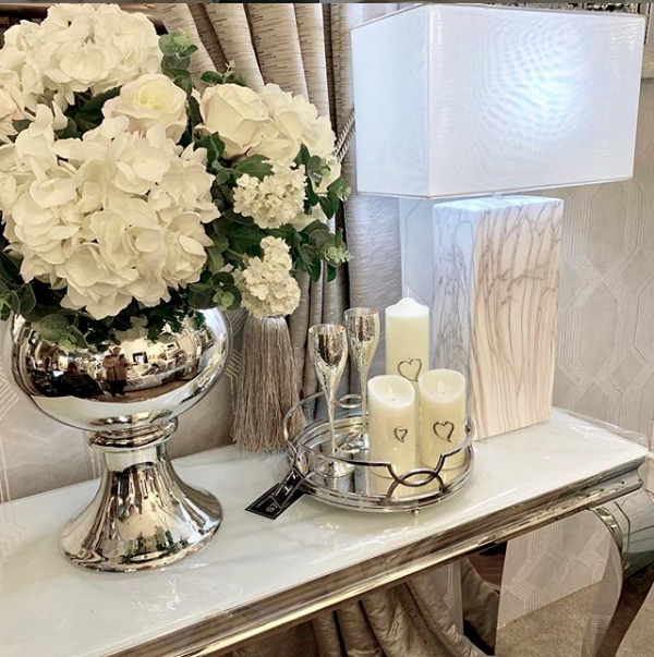 Our dani flower arrangement for the lovely @danidyerxx available to order online and to order instore with our silver large fishbowl on stand • • • #happycustomer #fauxflowers #flowerdisplay #diningtabledecor #readymadeflowerarrangements #ourownphotos #finishingtouches #brentwood #essex
