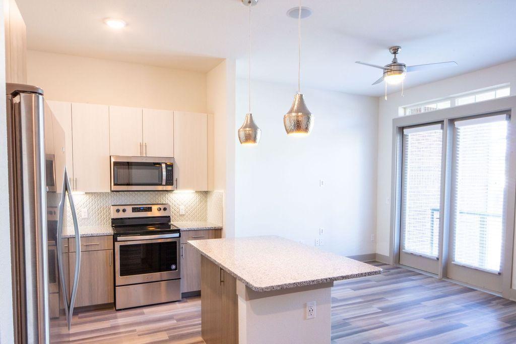 Magnolia On Gaston Apartment Rentals Dallas Tx Zillow Rental Apartments Apartment Communities Downtown Apartment