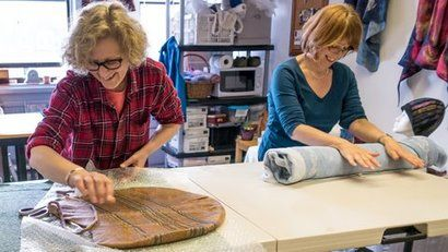 Heather Potten teaches feltmaking, one to one workshop in Edinburgh Palette.