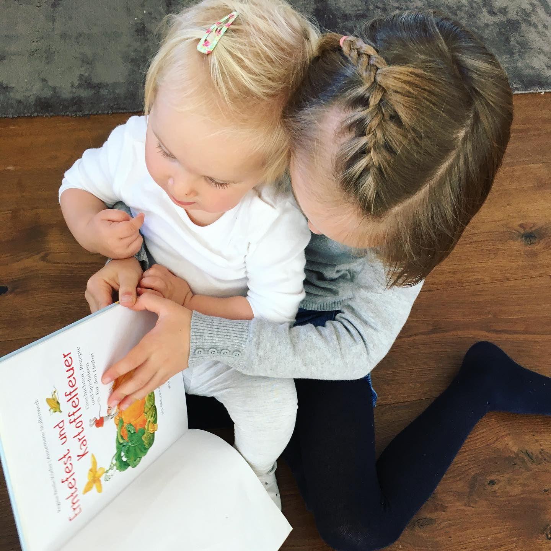 Press Sample Erntedank Und Kartoffelfeuer Dieses Bunte Herbstbuch Mit Vielen Tollen Ideen Fur Die Ganze Familie Begleit Baby Face Instagram Face