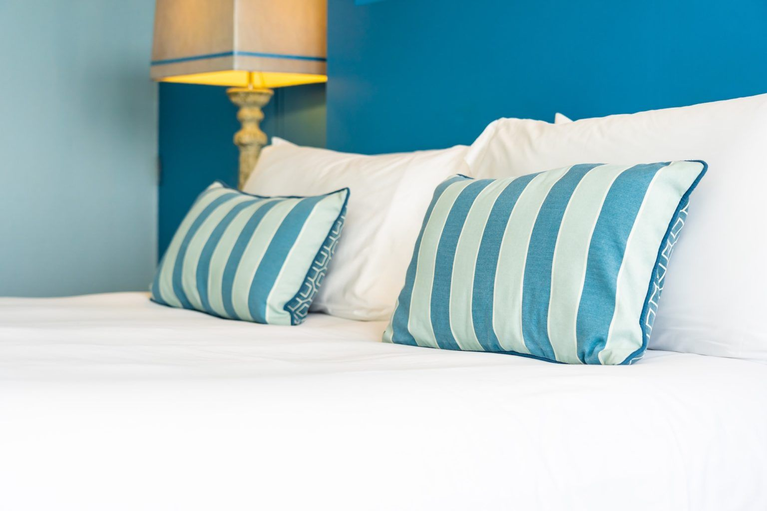 Tempurpedic Pillows An Overview Which Pillow Is Best For You Sunshine Slate Bed Pillows Pillows Hotel Pillows