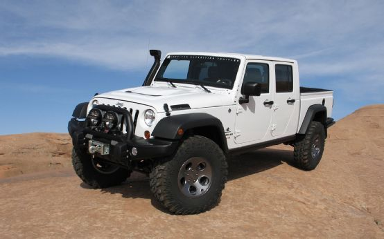 Aev Jeep Brute Double Cab Hemi First Drive Motor Trend Jeep