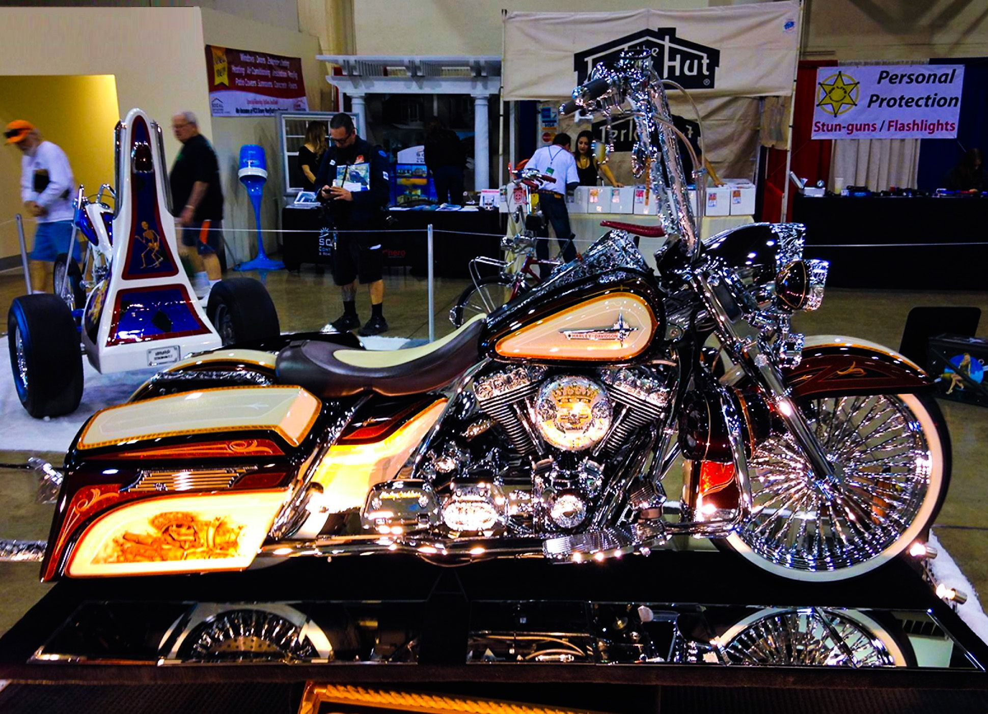 Custom Harley Davidson Motorcycles Of The 66th Annual Grand National Flashlight Roadster Show Http