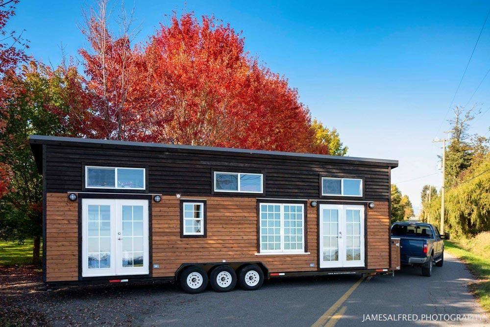 Custom 34 Tiny House On Wheels By Mint Tiny Homes Tiny Houses