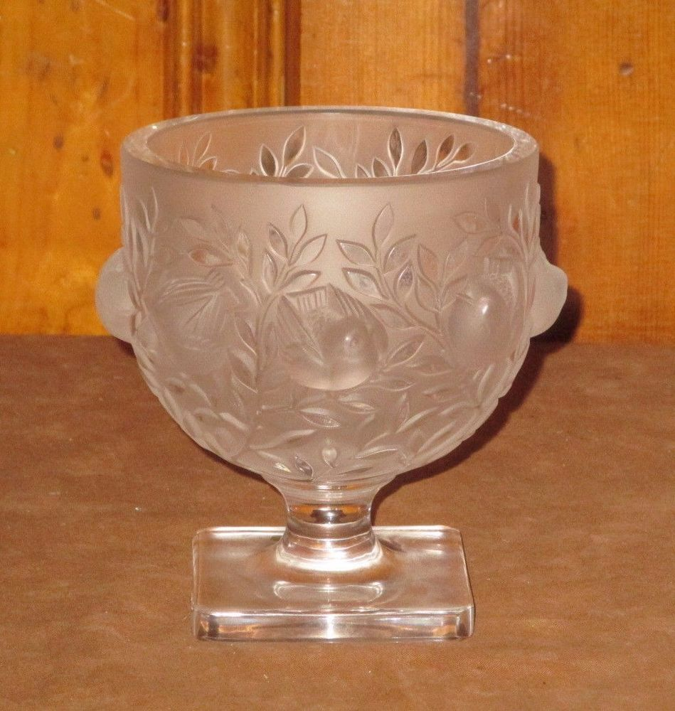 Lalique crystal elizabethan frosted footed bird vase or bowl lalique crystal elizabethan frosted footed bird vase or bowl french art glass reviewsmspy