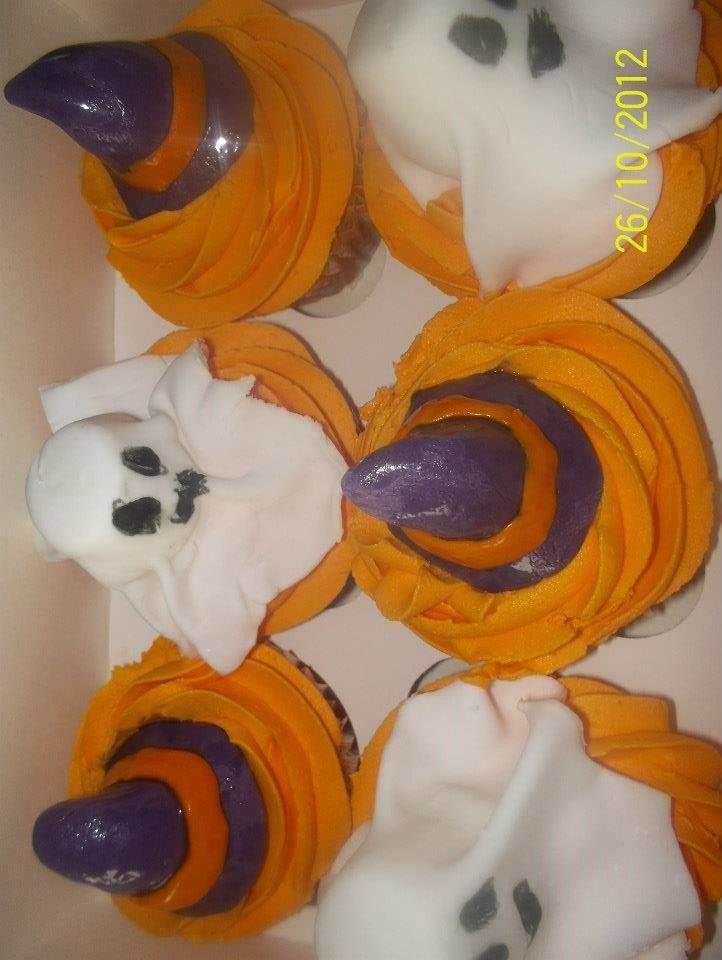 halloween, ghosts, witches hats, orange, cucpcakes