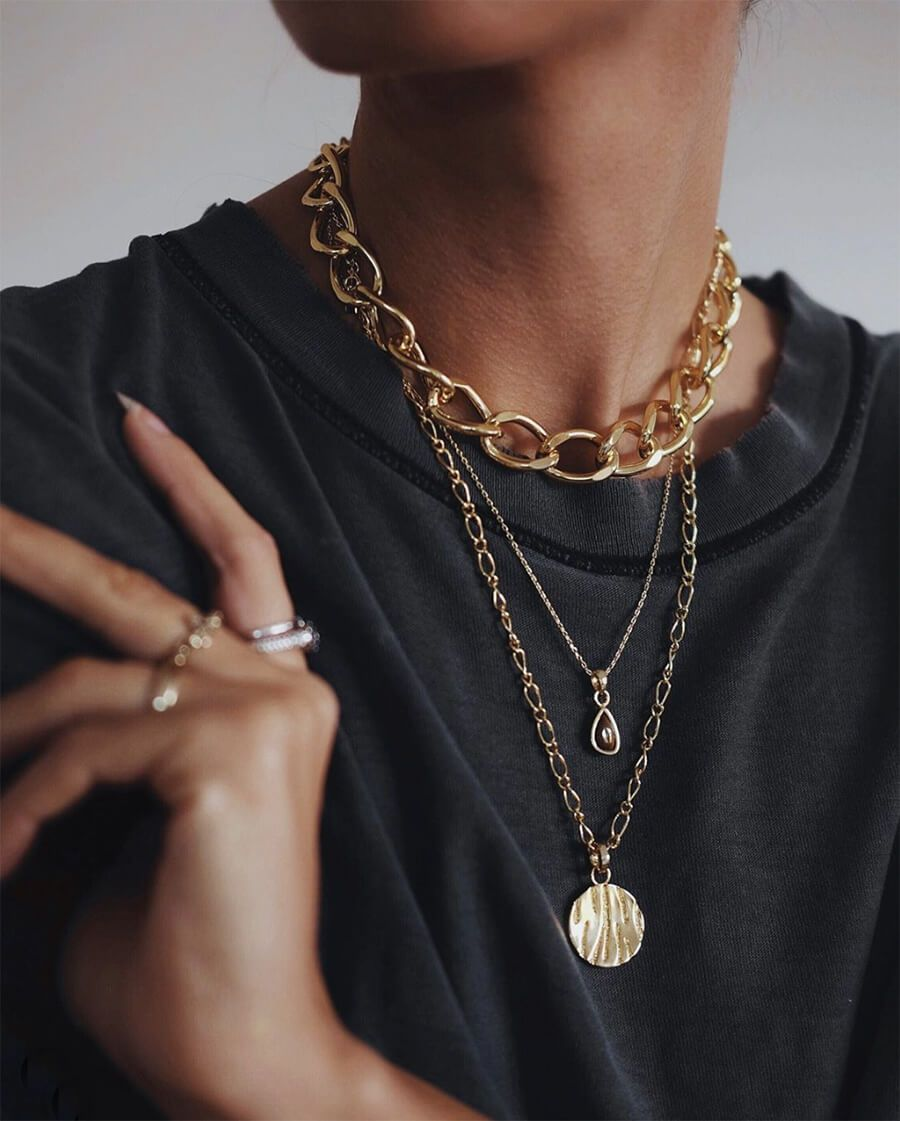 The Trendy Way To Layer Necklaces This Fall