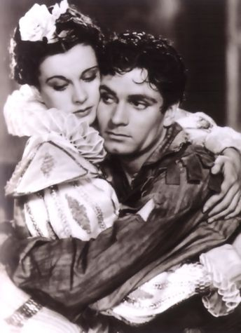 . Another scandal was that Vivien Leigh arrived on set from England with her lover…Laurence Olivier. Both had left their respective spouses and children and were engaged in an illicit affair.