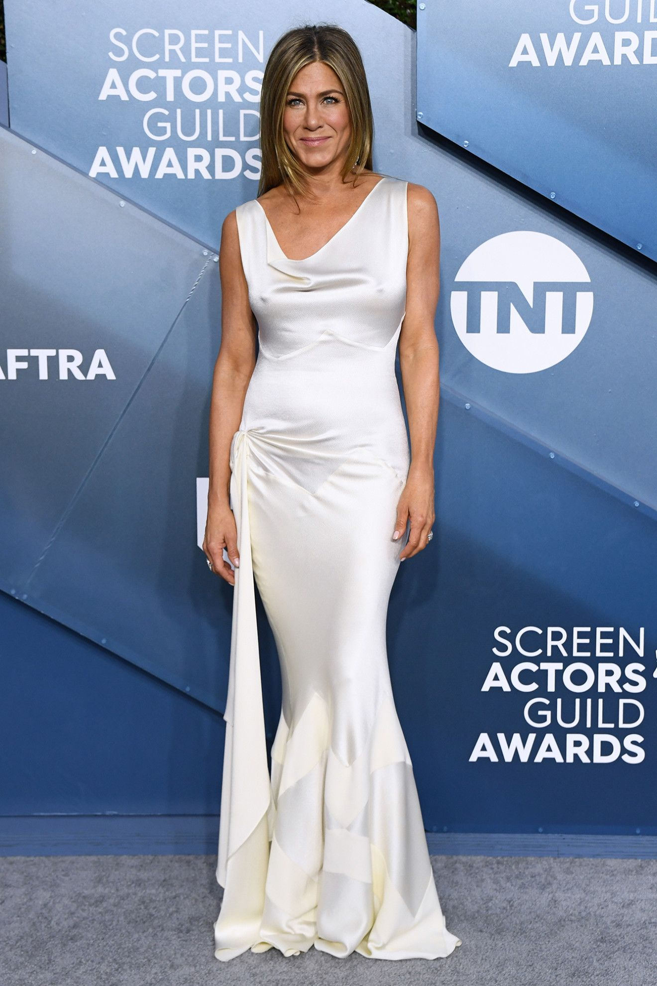 Plot Twist: Jennifer Aniston Didn't Wear Black to the SAG Awards