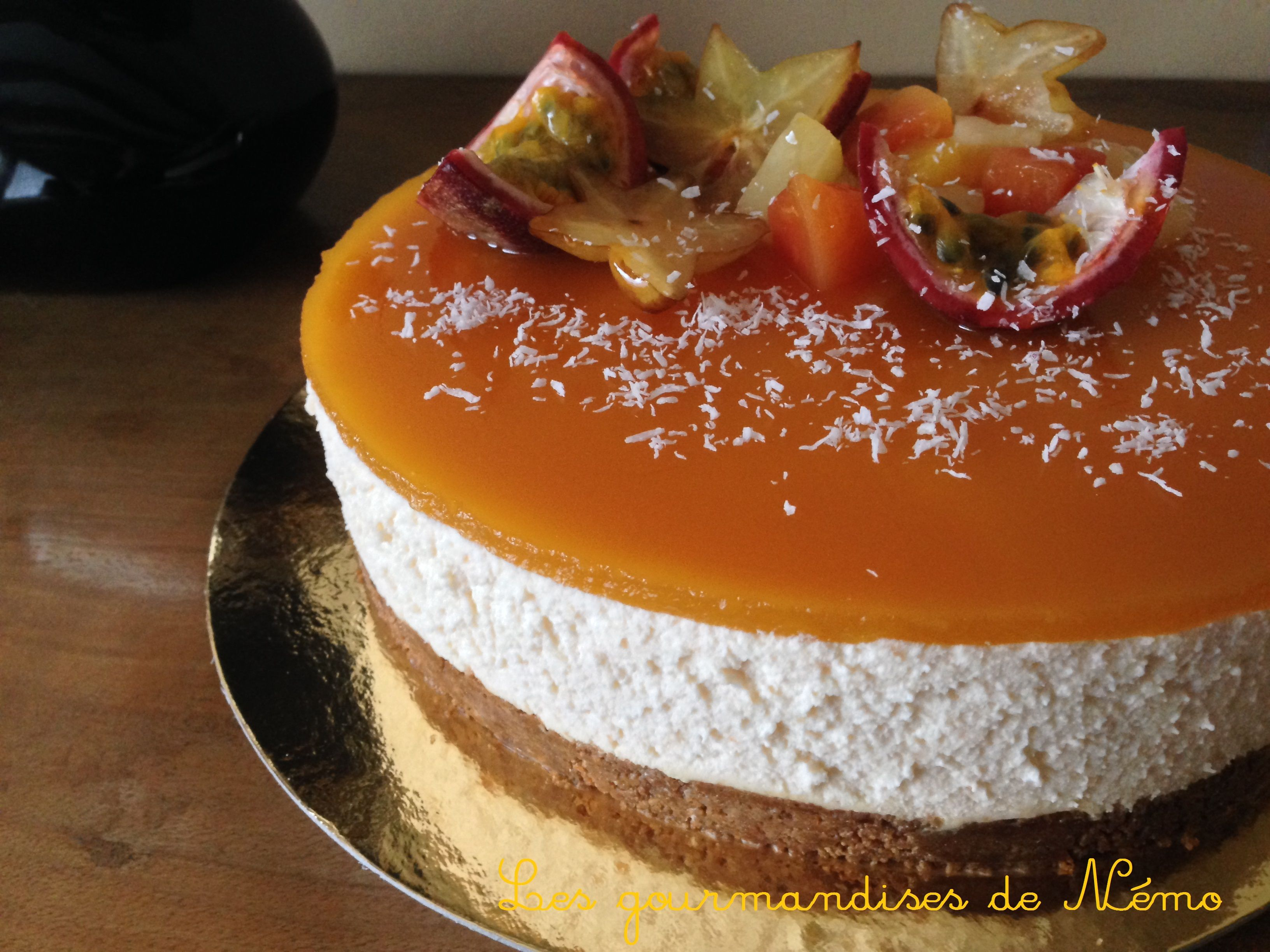 entremet base croustillante aux sp 233 culoos mousse fruits de la et chocolat blanc