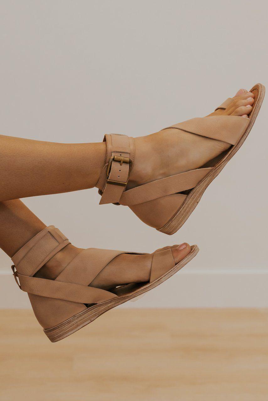 Fashion shoes sandals