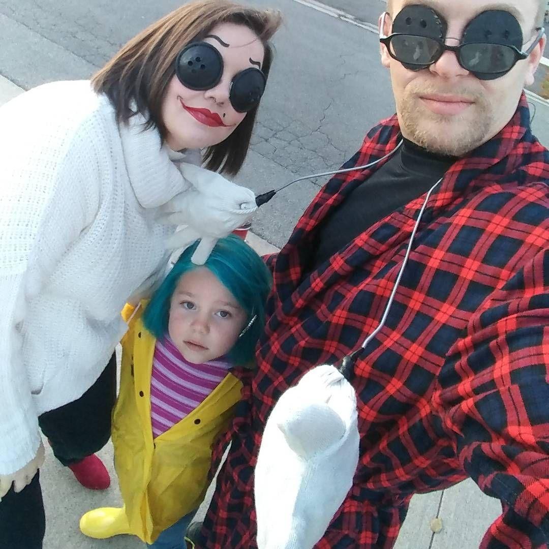 45 Family Halloween Costumes 2019 Diy Ideas Family Costumes Diy Monkey Costume Diy Shark Costume