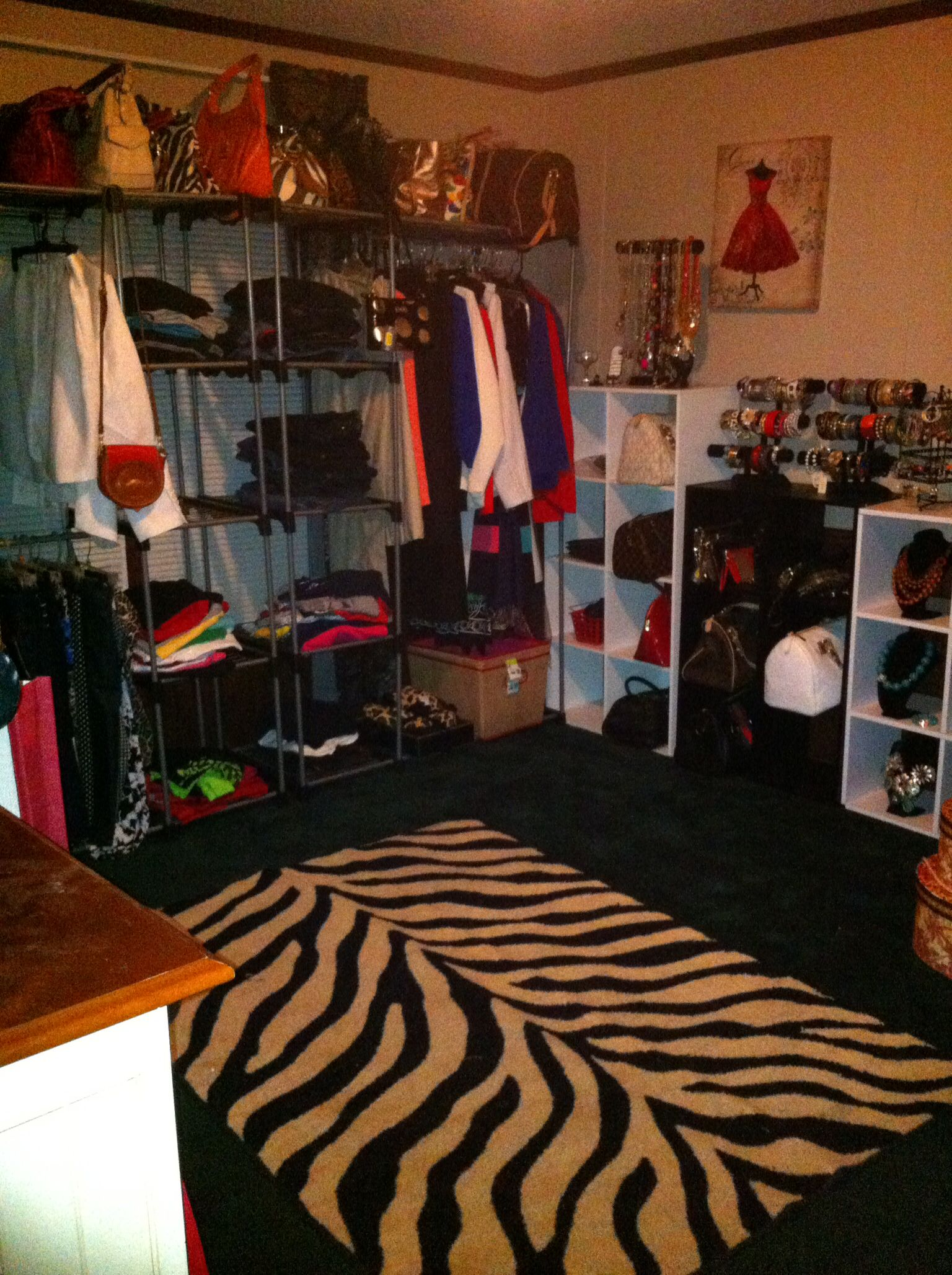 Turning A Spare Bedroom Into A Dressing Room/walk In Closet   Used Free  Standing
