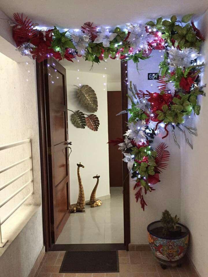 Pin de damaris carmona en navidad pinterest for Decoracion puertas navidad