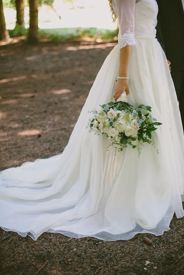 Beautiful Tea length sleeve wedding dress with a train #weddingdress #weddingdresses #weddinggown