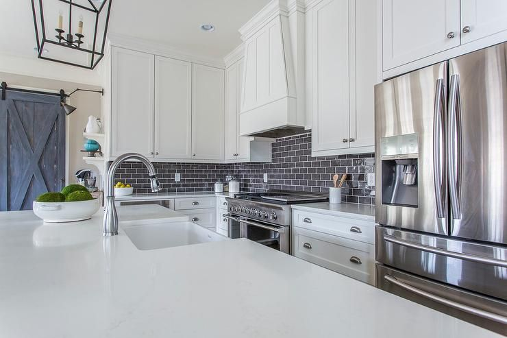 Best Beautifully Appointed Kitchen Is Equipped With A Stainless 400 x 300
