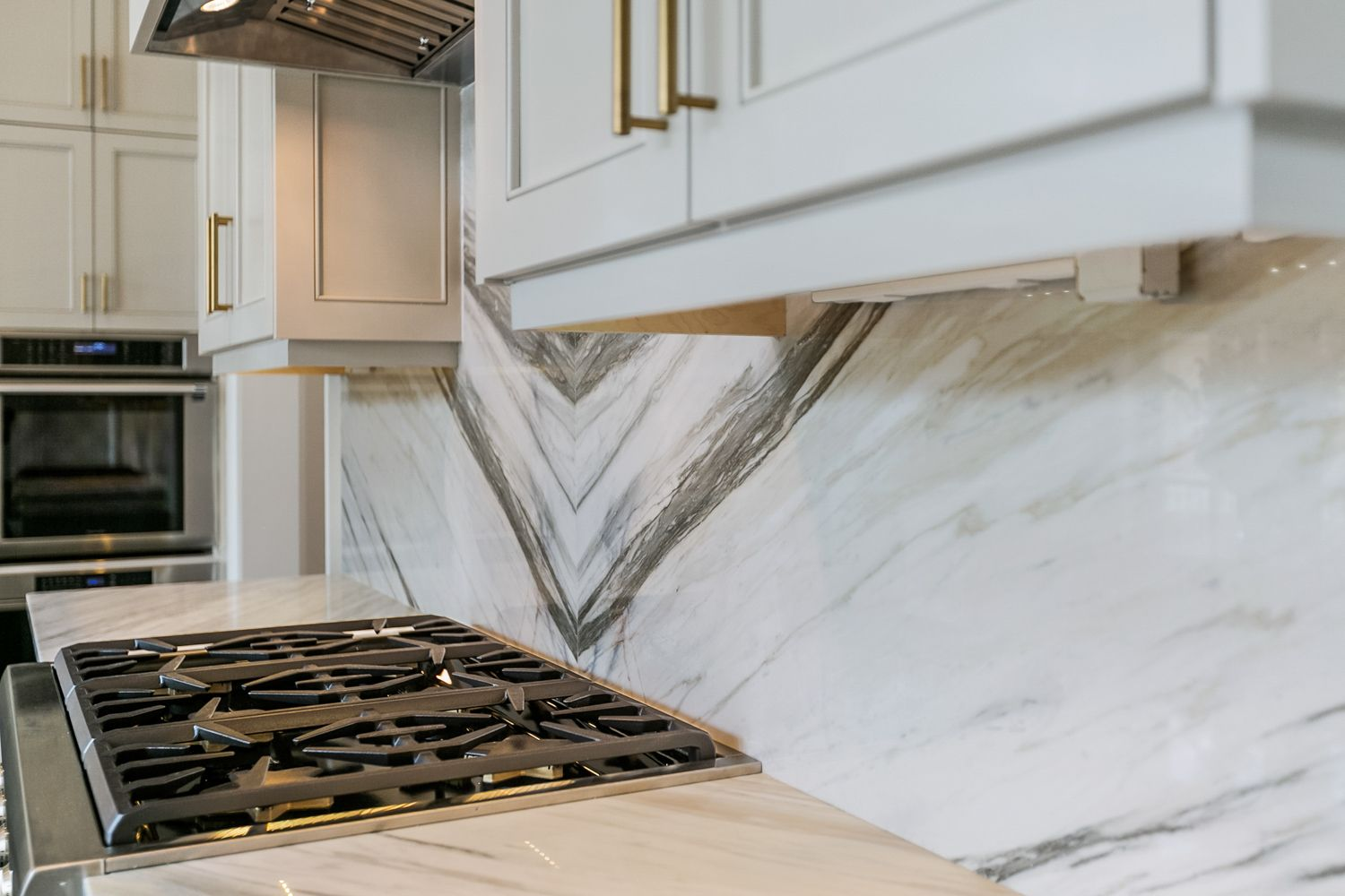 Calacatta Manhattan Marble Kitchen Countertop And Bookmatched