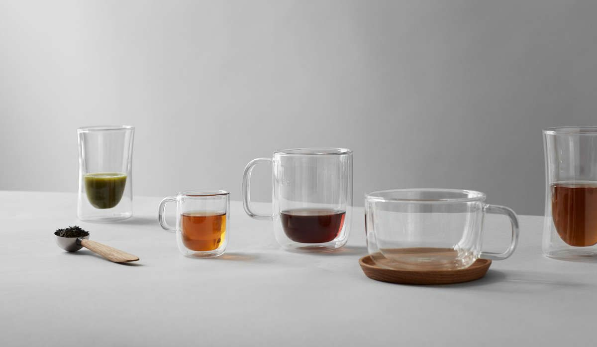 A Sleek Modern Glass Tea Cup Is A Beautiful Thing And You Can Find Them Online On Viva Scandinavia Cupsandmugs Cupsandmu Glass Tea Cups Glass Tea Modern Mugs