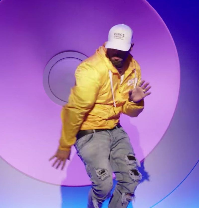 Yellow Jacket Distressed Jeans And Kings Bred Cap Worn By Nicky Jam In X Equis Ft J Balvin Official Music Vi Distressed Jeans Mod Fashion Men Yellow Jacket