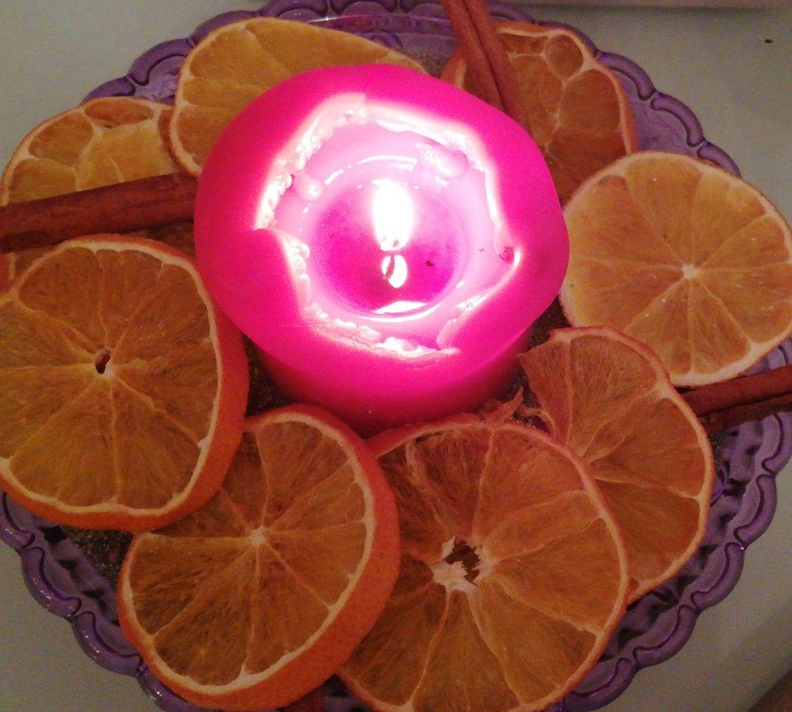 Orangenscheiben Mit Zimtstangen Und Einer Duftkerze Duftkerzen Kerzen
