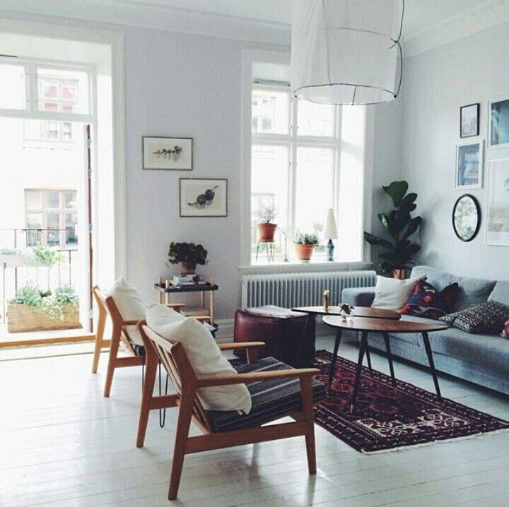Danish Modern Living Room: Plants & Colours