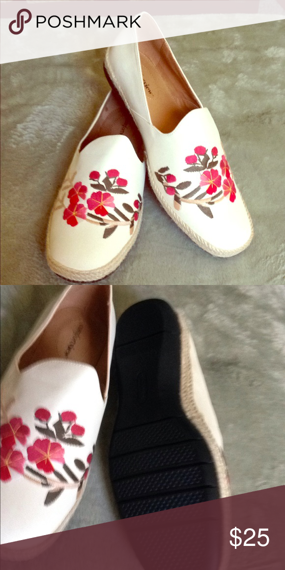 3525fe57e0 Comfort views slip on shoes Cream with red colored flowers Shoes Flats    Loafers