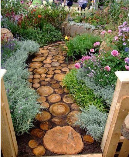 Cute DIY Garden Path Idea!