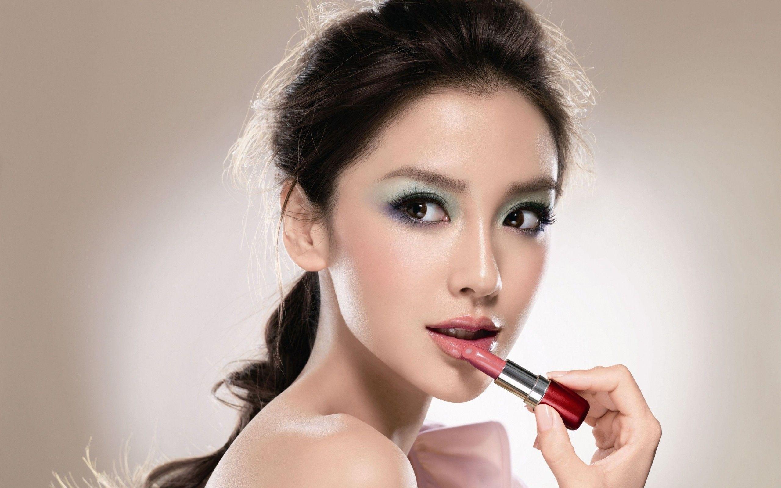 Japanese Girl Lipstick photos