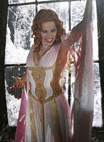 """Elena Anaya in """"Van Helsing"""""""