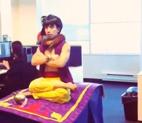 halloween aladdin prank