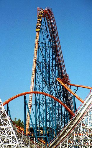 Goliath Six Flags Magic Mountain Valencia Ca Amusement Park Rides Theme Parks Rides Best Roller Coasters