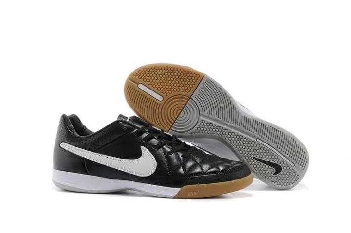 billiga nike sneakers