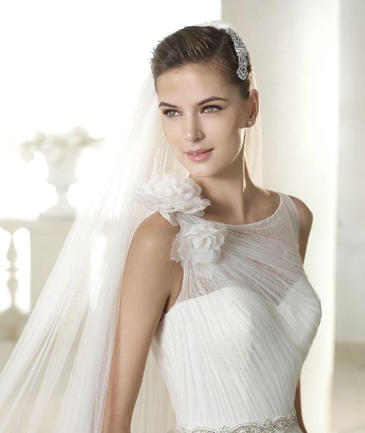 shalott wedding dress from the modern bride 2015 - st patrick