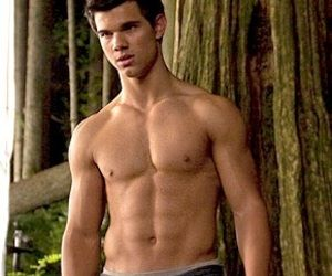 Werewolf Or Human He S Jacked With Images Taylor Lautner