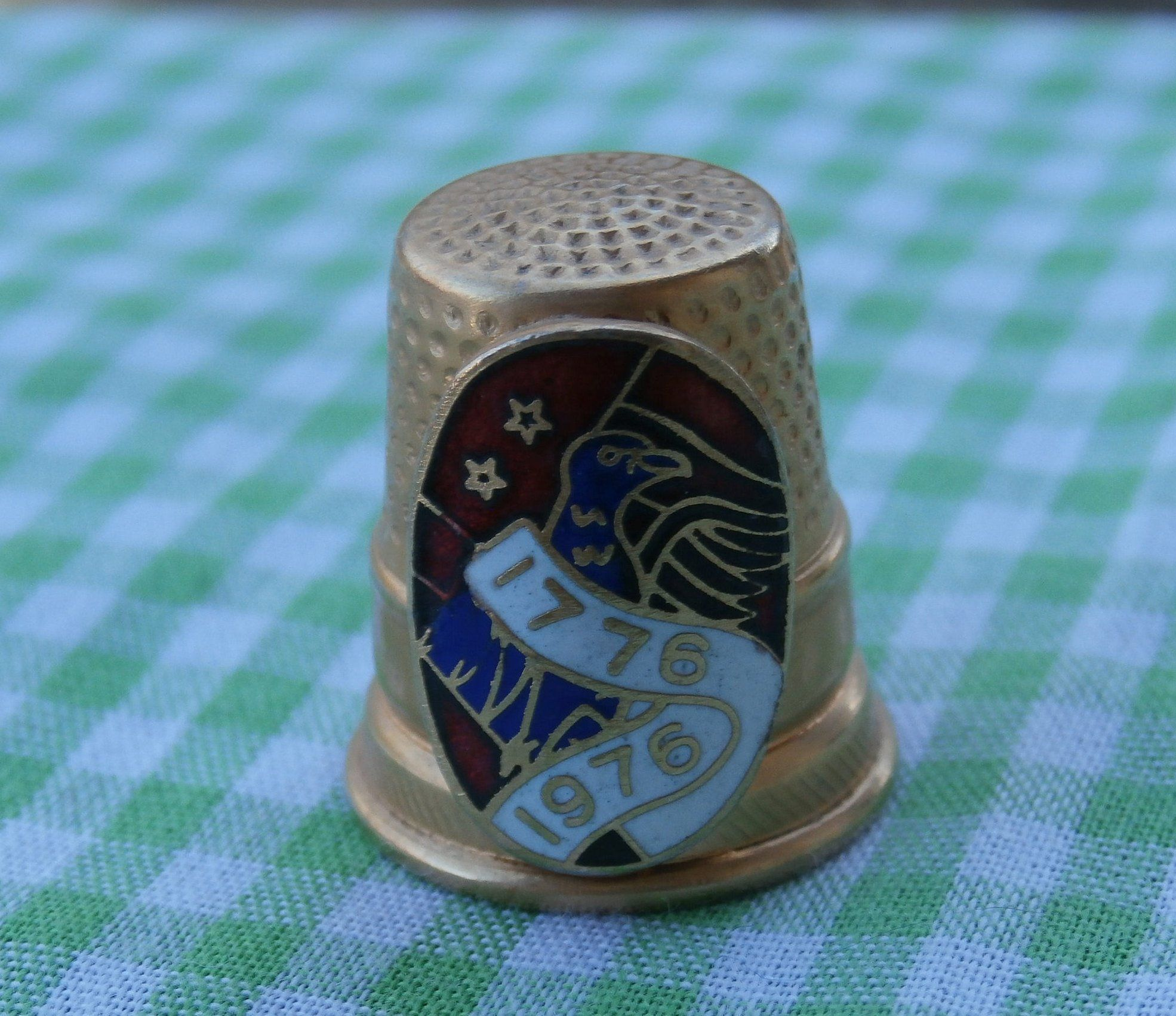 64b9cac48878d Pin by MendozamVintage on Thimbles