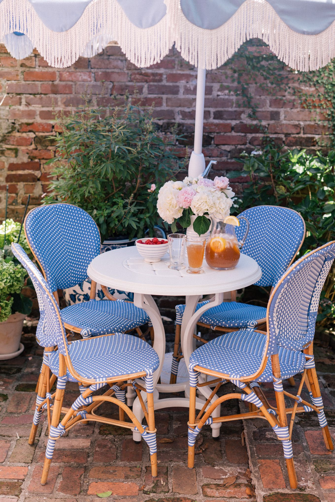 Blue White Courtyard Gal Meets Glam Patio Decor Outdoor