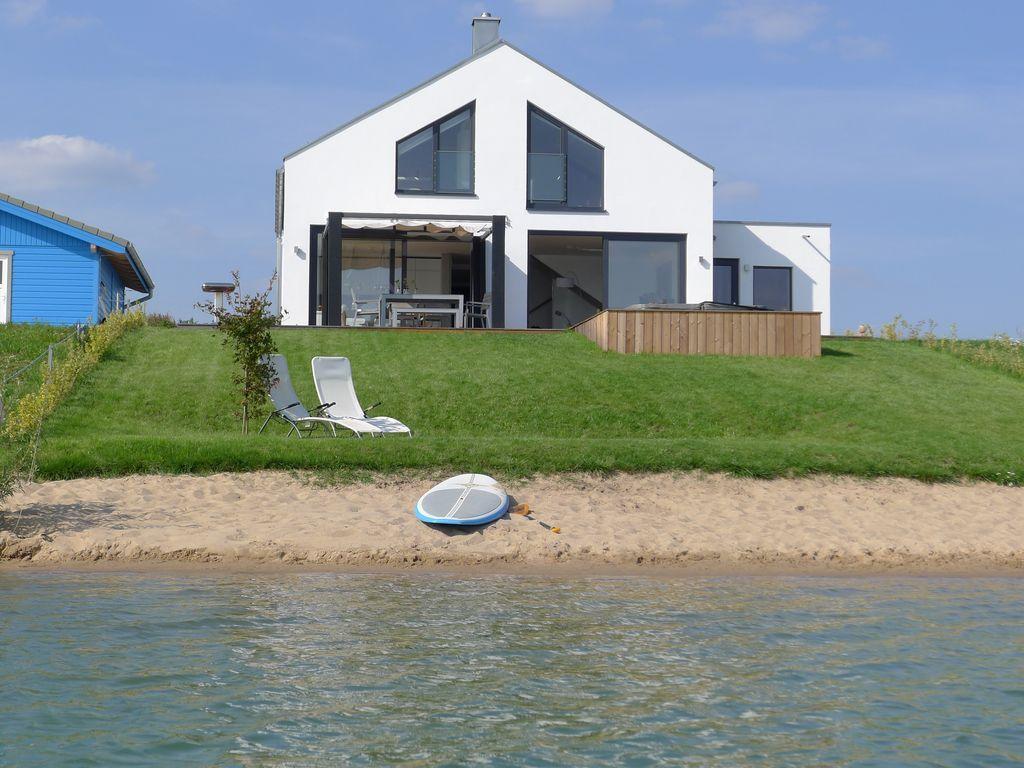 haus am see mit privatstrand 1 im l bnitz 4 schlafzimmer. Black Bedroom Furniture Sets. Home Design Ideas