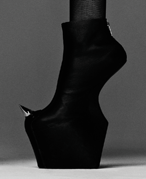 Different | Fashion, Spike shoes, Gothic shoes