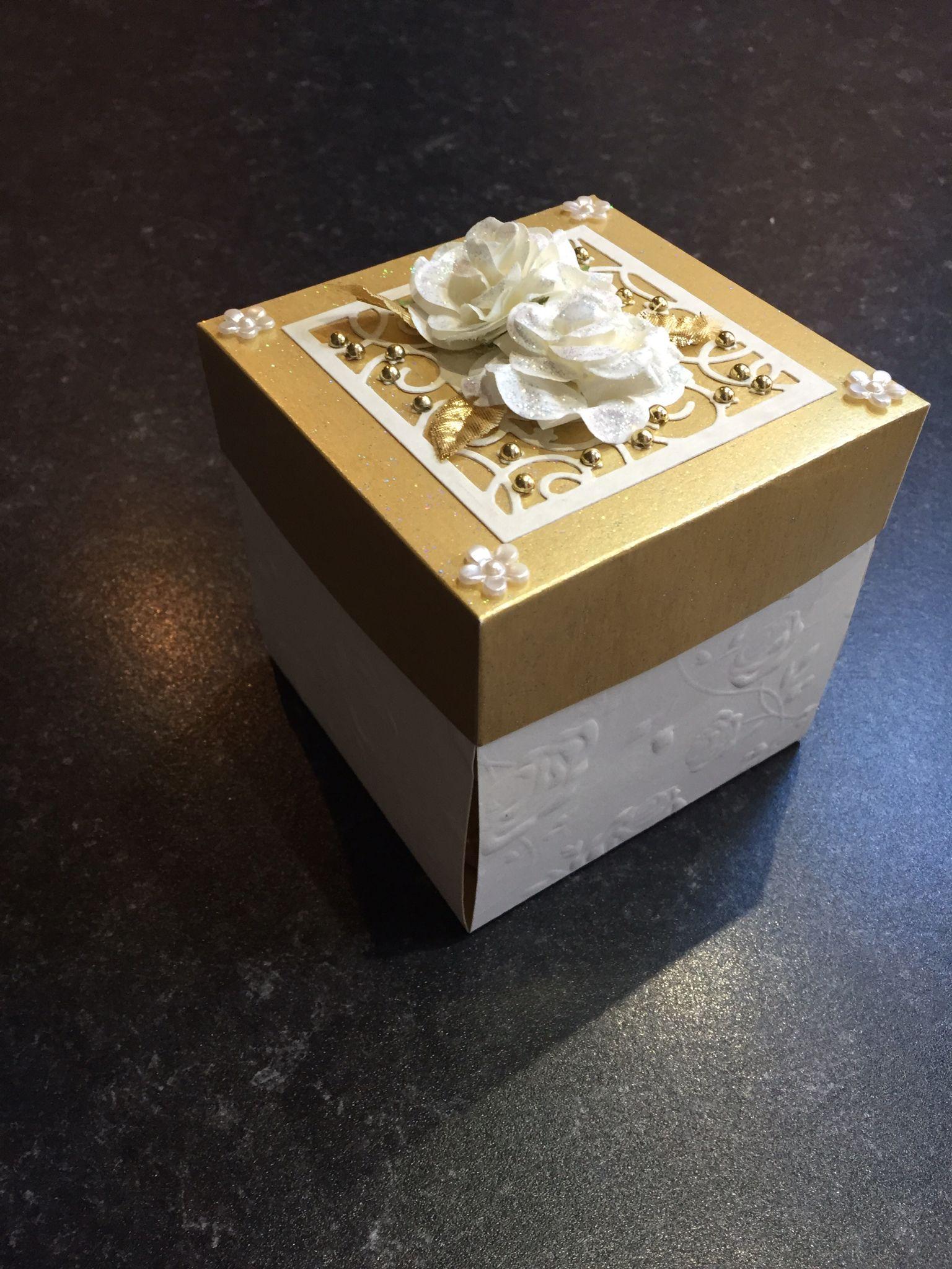 Anniversary exploding box