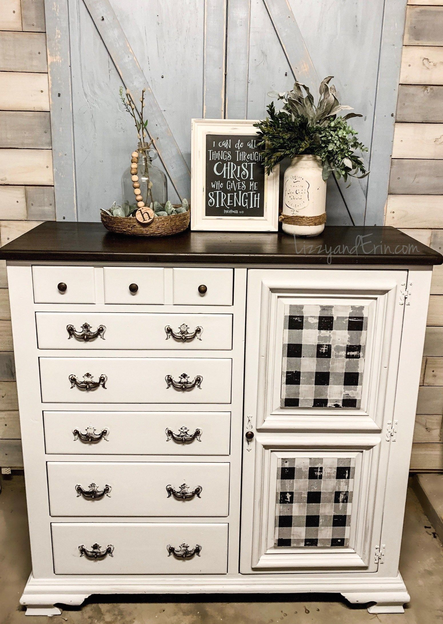 Buffalo Check Dresser Makeover Before And After Lizzy Erin 1000 In 2020 Dresser Makeover Makeover Before And After Diy Dresser Makeover