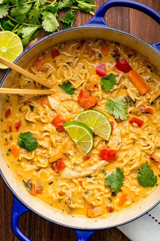 Cette soupe de nouilles au poulet asiatique rend tout meilleur