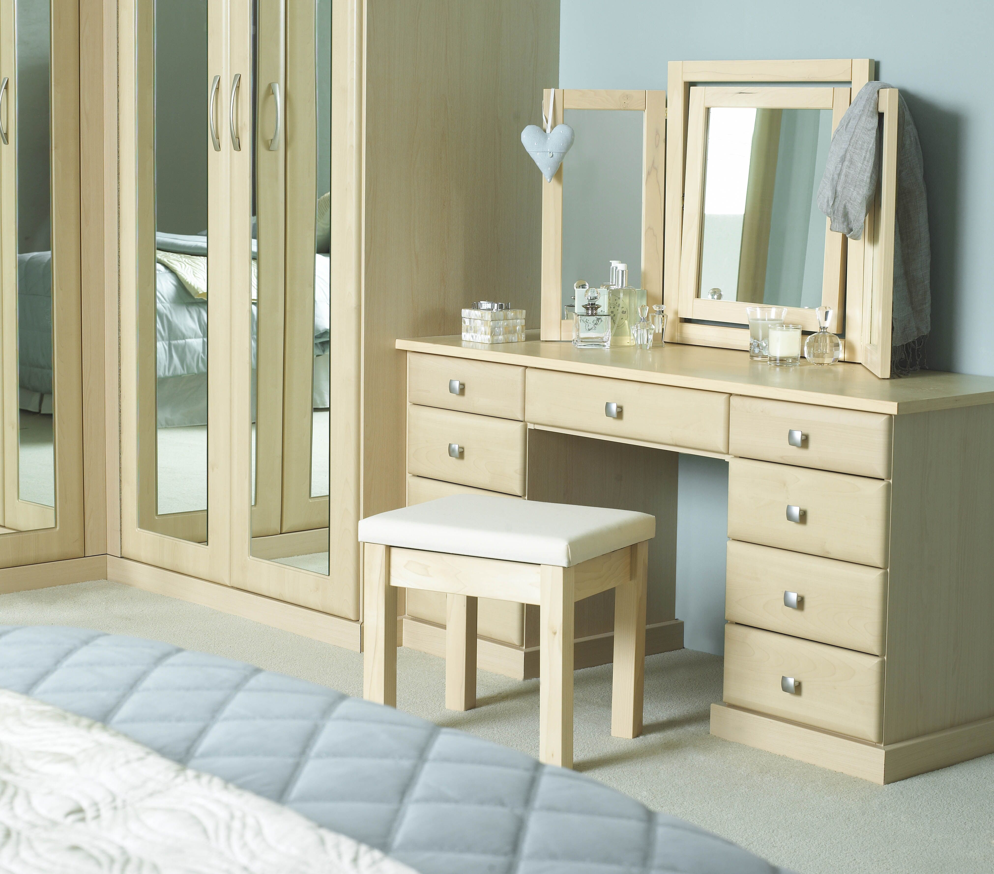 set selected the bedroom vanity regarding of objects use reflect makeup corner furniture that table image black