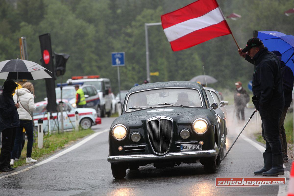 """Vom 26. – 28. Mai 2016 findet zum vierzehnten Mal das """"Gaisbergrennen für historische Automobile"""" statt: http://www.zwischengas.com/de/news/Gaisbergrennen-fuer-historische-Automobile-vom-26-bis-28-Mai-2016.html?utm_content=buffer99941&utm_medium=social&utm_source=pinterest.com&utm_campaign=buffer  Foto © Bruno von Rotz"""