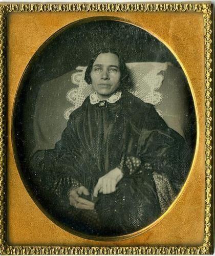 Her-last-portrait-alive-1-6-plate-pre-mortem